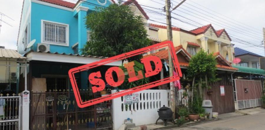 ขายด่วน บ้านแฝด 2 ชั้น ซอยเทียนทะเล 7 แยก 6-5 ซอยบัวดี ท่าข้าม23 เนื้อที่ 23.50 ตร.ว ต่อเติมหน้าบ้าน พร้อมอยู่