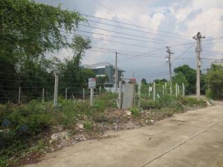 N0601095, ขายด่วน ที่ดินเปล่า ถมแล้ว หมู่บ้าน ราชพฤกษ์วิลล่า ถนนรัตนาธิเบศร์ เนื้อที่ 60 ตร.ว แปลงมุม สวย เหมาะปลูกบ้าน หรือ อาคารสำนักงาน OFFICE