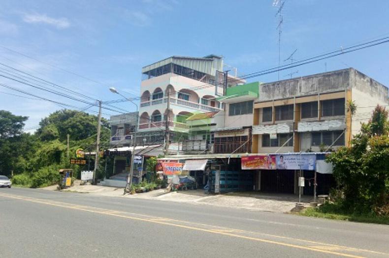 ขายด่วน อาคารพาณิชย์ 2.5 ชั้น ติด ถนน ศุขประยูร บ้านสวน เนื้อที่ 20 ตร.ว ทำเลดี ใกล้แยก เฉลิมไทย เมืองชลบุรี