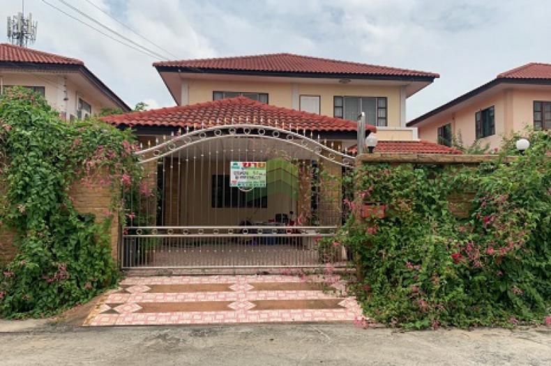 หมู่บ้าน พระปิ่น 7 เฟส 4 เทพกุญชร 12 ขายด่วน บ้านเดี่ยว 2 ชั้น เนื้อที่ 54 ตร.ว แต่งสวย พร้อมอยู่