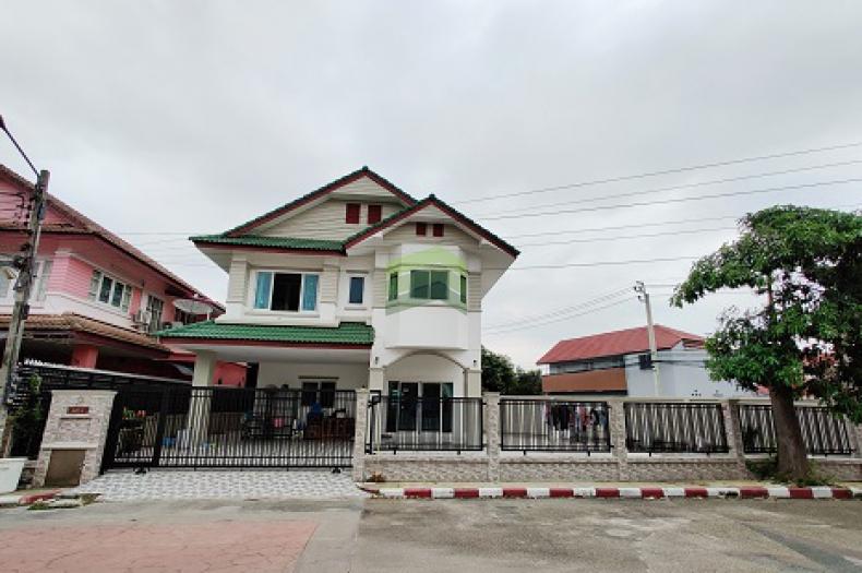 หมู่บ้าน ประภาวรรณโฮม 1 ขายด่วน บ้านเดี่ยว 2 ชั้น เนื้อที่ 87 ตร.ว สภาพใหม่มาก แปลงมุม ราคาต่อรองได้ ถนนบึงขวาง มีนบุรี
