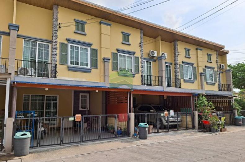 ขาย / ให้เช่าด่วน หมู่บ้าน โกลเด้น ทาวน์ อ่อนนุช – พัฒนาการ Golden Town Onnut-Pattanakarn ทาวน์โฮม 2 ชั้น เนื้อที่ 21.20 ตร.ว ทำเลดี