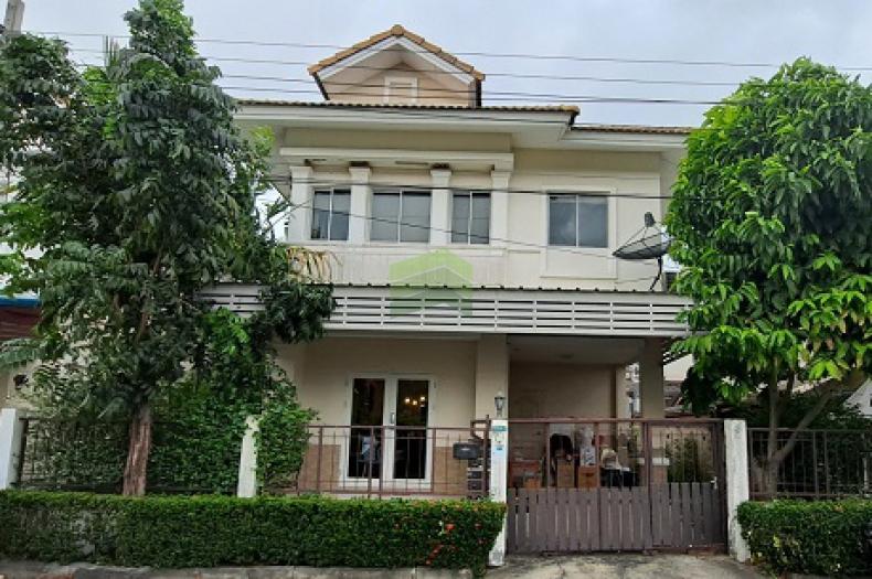 หมู่บ้าน บุรีรมย์ เทพารักษ์ สุวรรณภูมิ ขายด่วน บ้านแฝด 2 ชั้น เนื้อที่ 37.10 ตร.ว ทำเลดี ราคาถูก
