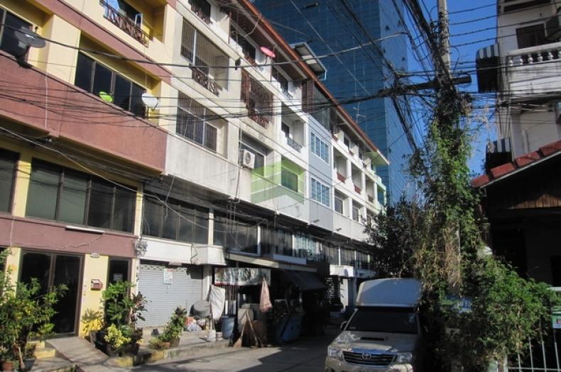 ขายตึกแถว ซอยศรีด่าน 19 ถ.ศรีนครินทร์ ต.สำโรงเหนือ เมืองสมุทรปราการ สมุทรปราการ ตึกแถว 4.5 ชั้น เนื้อที่ 14 ตร.ว.