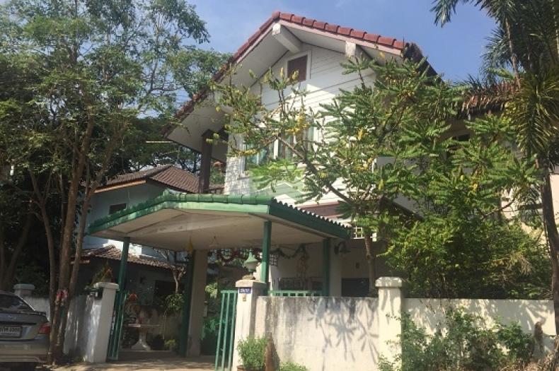 ขายด่วน บ้านแฝด 2 ชั้น หมู่บ้าน ดลศิริ  เนื้อที่ 41 ตร.ว. บึงทองหลาง ลำลูกกา ปทุมธานี