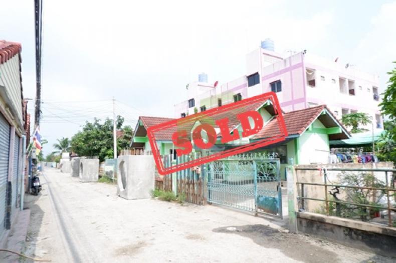 หมู่บ้านเพชรประกาย  Phet Prakai  ขายด่วน บ้านเดี่ยว 1 ชั้น เนื้อที่  60 ตรว. คลอง 4 ลำลูกกา  ปทุมธานี