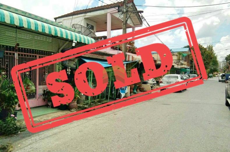 หมู่บ้านคันนายาว วิลเลจ รามอินทรา กม.8 ขายด่วน ทาวน์เฮ้าส์ 1 ชั้น  เนื้อที่ 25 ตร.ว  คันนายาว บางกะปิ