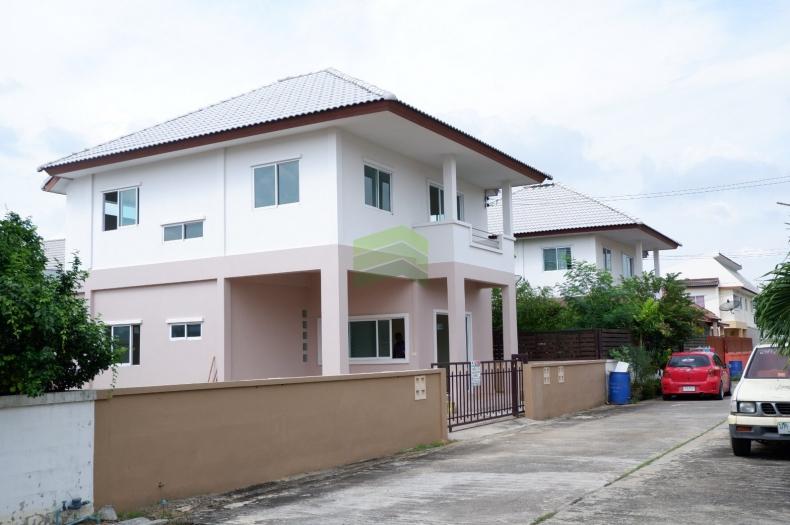 หมู่บ้านสราญรมย์ นครปฐม Saranrom ขายด่วน บ้านเดี่ยว 2 ชั้น เนื้อที่ 51.30 ตรว. วังตะกู เมืองนครปฐม นครปฐม บ้านใหม่ สวย