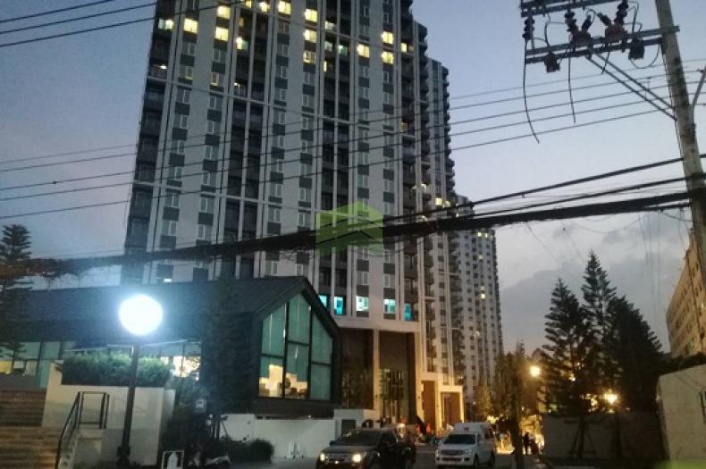 ขายดาวน์ คอนโด แชบเตอร์ วัน  อีโค่ รัชดา-ห้วยขวาง (Chapter One Eco Ratchada-Huaikwang) เท่าทุน 23.26 ตารางเมตร ห้องมุม ตึก H ชั้นที่ 22 พร้อมเฟอร์นิเจอร์ครบชุด ใกล้ MRT สถานีห้วยขวาง