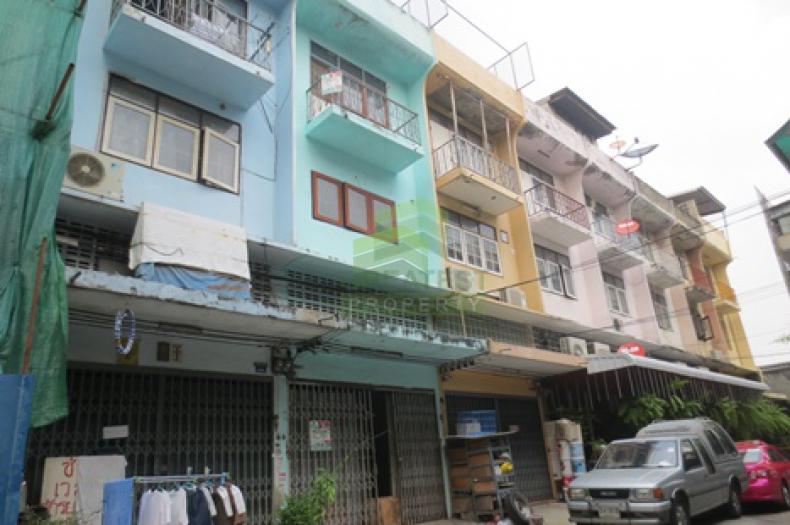 ขายด่วน ตึกแถว 3.5 ชั้น ซอยสุขสวัสดิ์ 33 35 เนื้อที่ 17 ตร.ว. หน้ากว้าง4 ลึก12 เมตร เหมาะพักอาศัย ประกอบธุรกิจโกดัง หรือ ลงทุนปล่อยเช่า ได้ผลตอบแทนดี