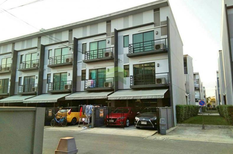 หมู่บ้านกลางเมือง สุขสวัสดิ์ ขายด่วน ทาวน์โฮม 3ชั้น เนื้อที่ 18.50 ตร.ว. บางพึ่ง พระประแดง บ้านสวย ราคาไม่แพง