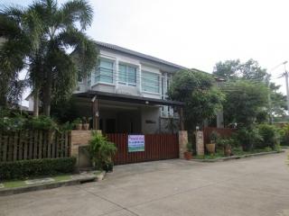 N0600698, หมู่บ้าน บางกอกบูเลอวาร์ด รามอินทรา 3 (Bangkok Boulevard Ramintra 3) ขายด่วน บ้านเดี่ยว 2 ชั้น แปลงริม เนื้อที่ 64.5 ตร.ว  แต่งสวย ราคาถูก