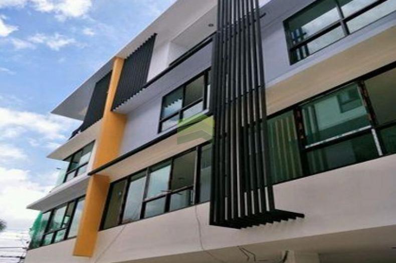 ขายด่วน ทาวน์โฮม/โฮมออฟฟิต 4 ชั้น เนื้อที่ 19 ตร.ว โครงการ THE MAX  เรวดี 45   เดอะแม็ค ถนนเรวดี เมืองนนทบุรี เหมาะอยู่อาศัย ทำออฟฟิต