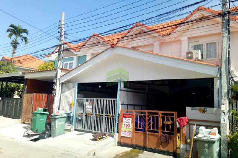 หมู่บ้าน พนาลี ประชาอุทิศ90 ขายด่วน ทาวน์เฮ้าส์ 2 ชั้น เนื้อที่ 16 ตร.ว. รีโนเวทใหม่ทั้งหลัง สวย พร้อมอยู่